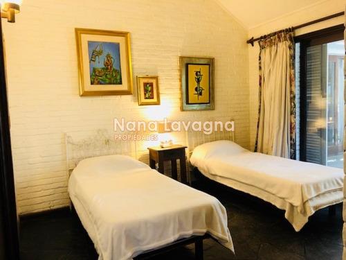 casa en venta en maravilloso entorno, lugano, punta del este, 3 dormitorios. - ref: 206731