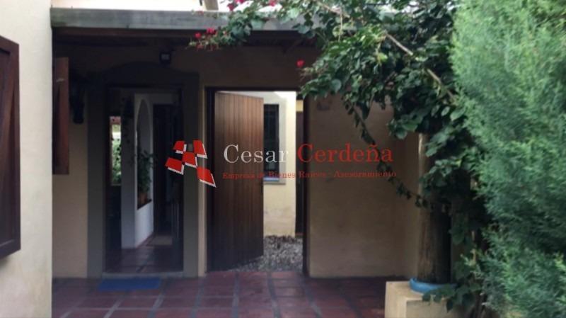 casa en venta en zona residencial - acepta préstamo bancario -ref:1406