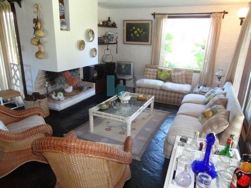 casa en venta. lugano, a metros de roosevelt, excelente esquina de 3 dormitorios + dependencia. - ref: 7676