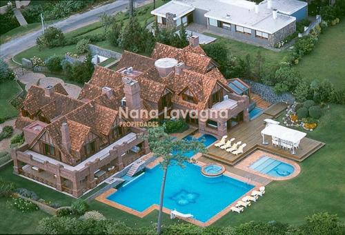casa en venta, pinares, punta del este, 7 dormitorios. - ref: 205807