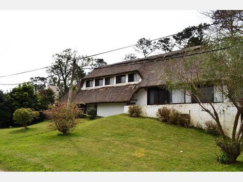 casa en venta ref: 1926