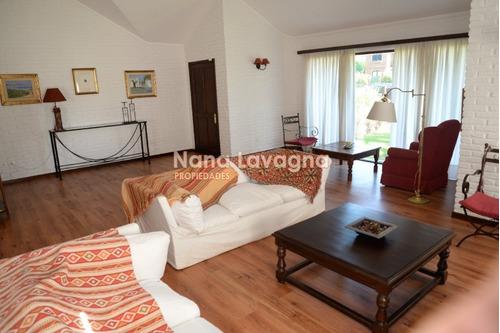 casa en venta y alquiler, jardines de cordoba, punta del este, 5 dormitorios. - ref: 208195