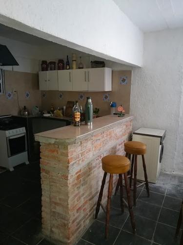 casa jaureguiberry con piscina, wifi y directv.