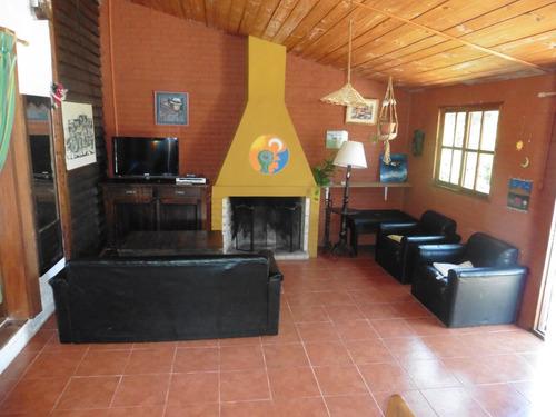 casa luminosa y amplia para 4 personas
