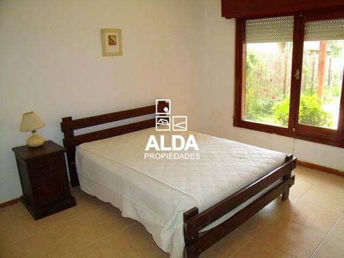 casa maldonado punta colorada 4 dormitorios 3 baños venta