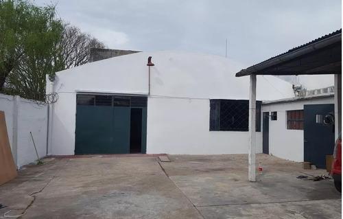 casa más galpón con  instalación para oficinas. si banco!!!
