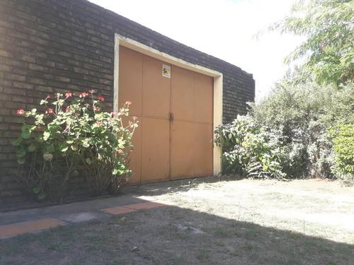 casa mas garage para dos autos
