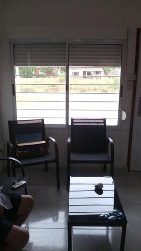 casa muy acogedora y luminosa. todo nuevo!!!