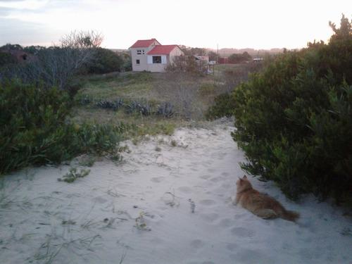 casa muy fresca y linda cerca de la playa.