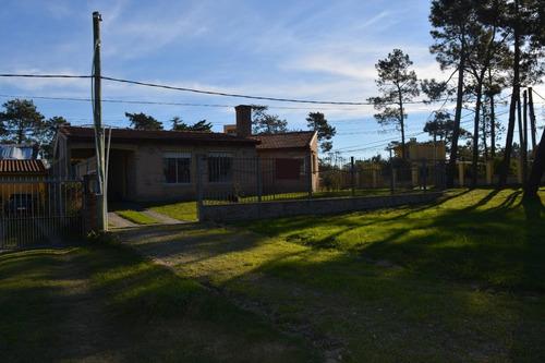 casa muy sólida y acojedora cerca de todo en el pinar sur