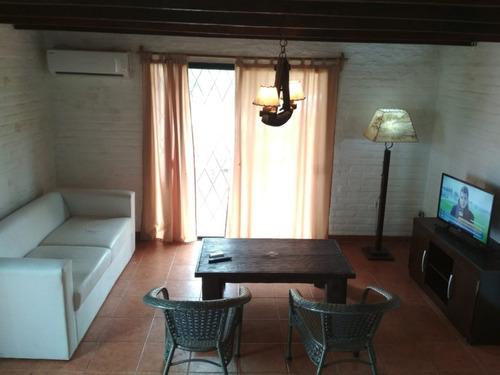 casa nueva 2 aires 2 baños a una playa a 150 mts devoto rbla