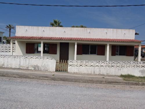 casa para 4 personas a 100 metros de la playa