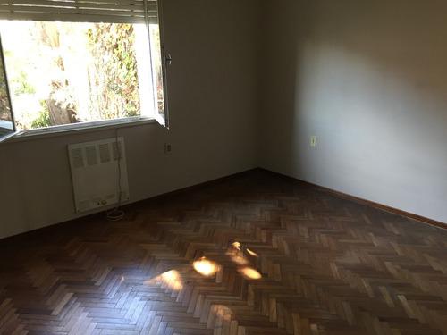 casa propiedad horizontal 3 dormitorios, garage, parrillero.