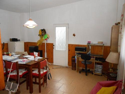 casa quinta con 2 apartamentos y oficina