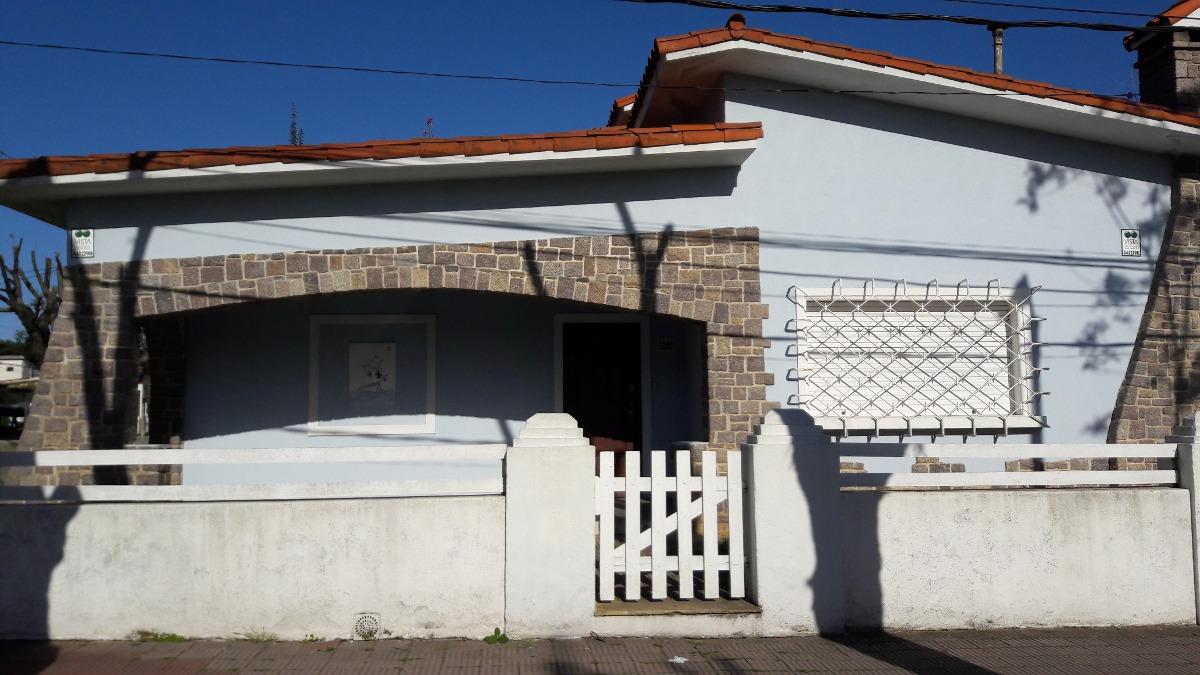 casa tres cuadras de la playa  4 dormitorios  enero