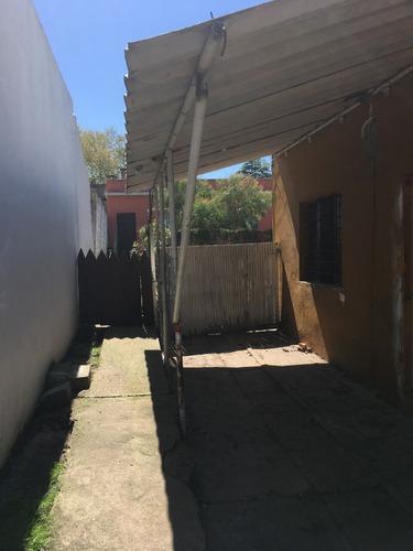 casa vacía 2 dormitorios con apartamento alquilado