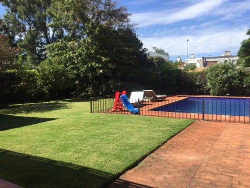 casa venta carrasco 5 dormitorios y servicio. piscina
