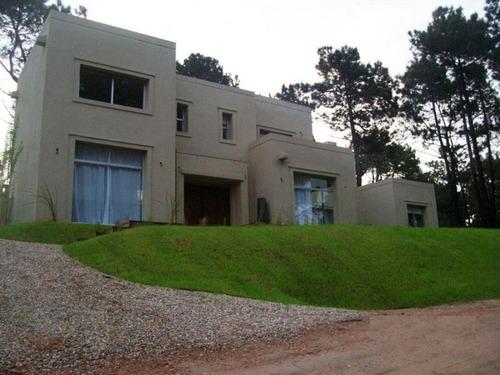 casas en manantiales: dga1438c