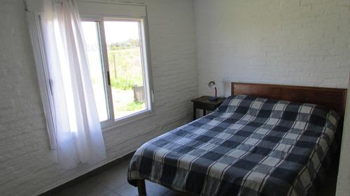 casas en punta negra de 1 y de 2 dormitorios.