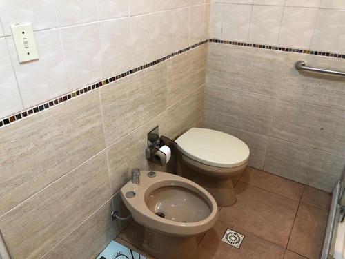 casi rambla sobre av brasil 2 dormitorios  2 baños garage