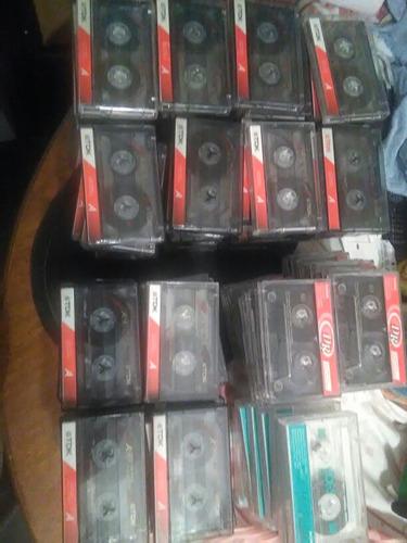 cassetes de audio tdk de 60 y 90 min.