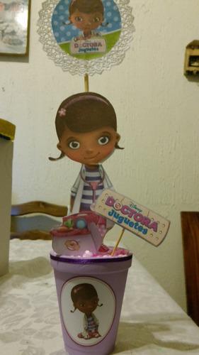 centro de mesa o adorno de doctora juguetes