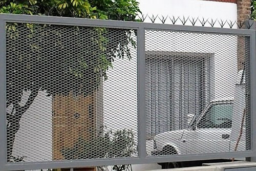 cerramiento malla metal desplegado de 3,2 mm 0,75 mts altura