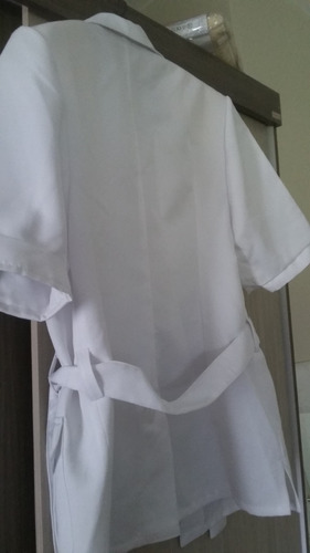 chaqueta cazadora impecable blanca.