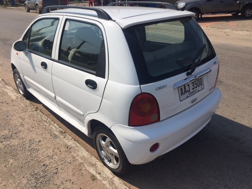 chery qq  sedan 1.100 cc. año 2014 - 107.000 kmts