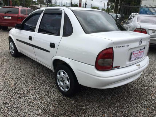 chevrolet corsa sedan nafta