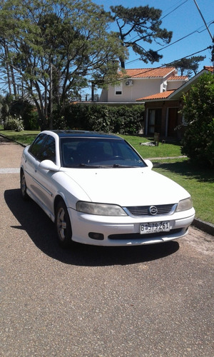 chevrolet vectra 2.2 cd 16 v año 2000