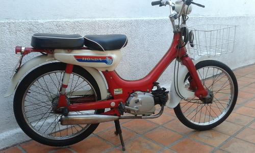 ciclomotor honda pc 50, precio 2000 dólares.