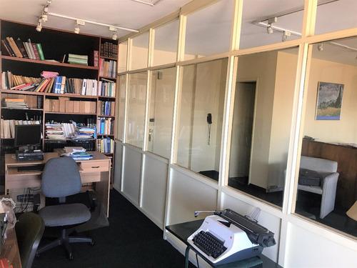 ciudad vieja. oficinas.mts2. excelente penthouse. aa. vig 24