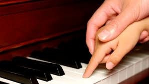 clases de piano en la comercial, mdeo. primera clase gratis!