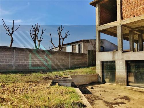 colonia | espaciosa casa a terminar. a100m de plaza de toros