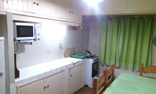 cómoda casa para familia, cerca de todo.