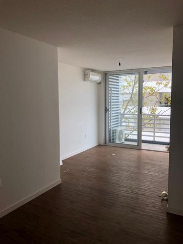 comodo y amplio apartamento de un dormitorio!