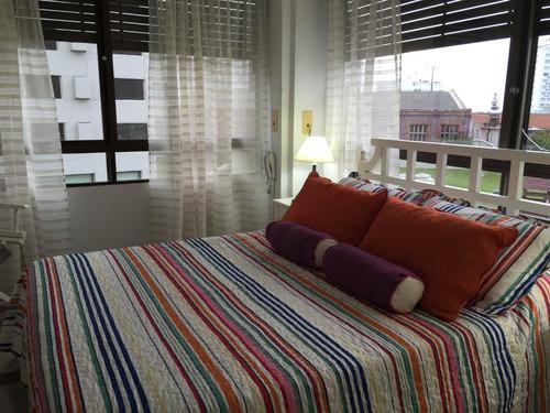 comodo y luminoso apartamento frente al mar