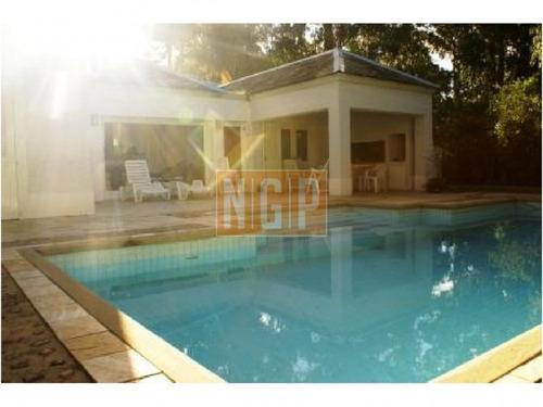con espacios amplios, distribución funcional y un diseño clásico y refinado: - ref: 20296