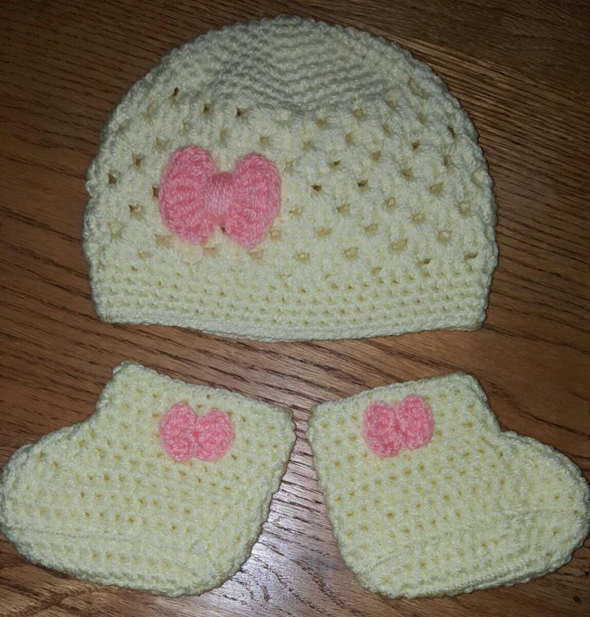 conjunto de gorro y escarpines en crochet bebé de 3-6 meses. Cargando zoom. 6f75cb6f136