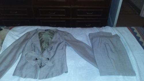 conjunto de mujer chaqueta y pantalon como nuevo