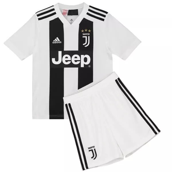 3624f45e197bf Conjunto Juventus Niño Ronaldo Camiseta Short Medias Encargu ...