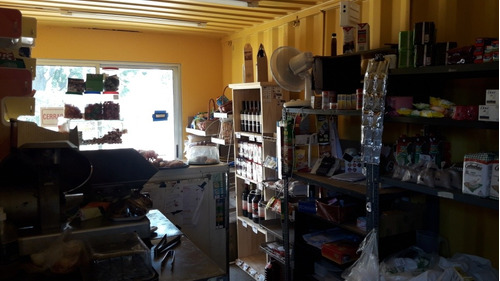 contenedor equipado comercio almacén.