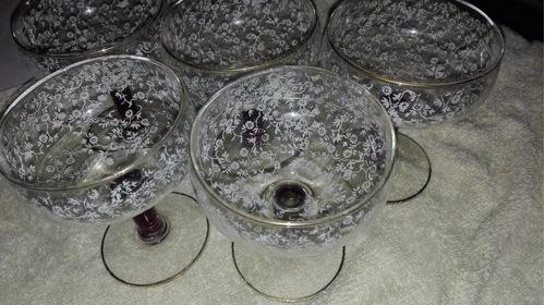 copas antiguas de cristal con dorado y blanco perfectas