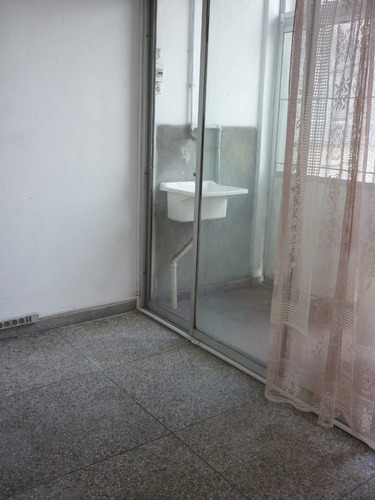 coqueto apartamento en la aguada