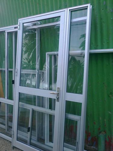 cortinas de enrrollar sistema monoblock 100x100 $ 4800