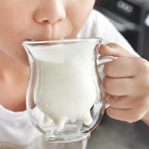 cremera de doble cristal en forma de vaca nueva café