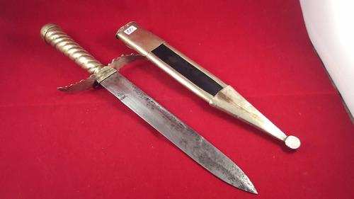 cuchilla criollo - hoja 21 cm,vaina cuero y boca y puntera a
