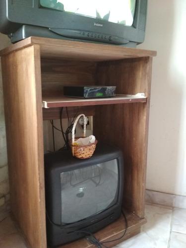 cuna de madera y rack para tv y /o pc