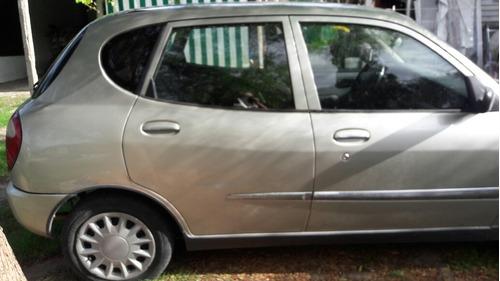 daihatsu sirion sedan 4 puertas